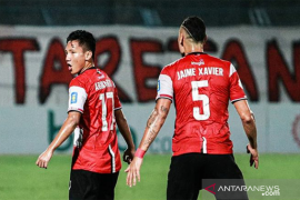 Di Stadion Gelora Bangkalan, Madura United taklukkan Persib 2-1