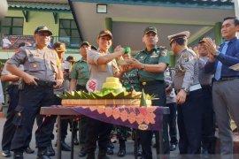 Kapolres Lumajang beri kejutan jajaran Kodim saat HUT TNI