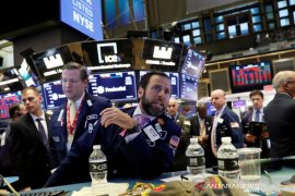 Wall Street naik didukung laporan laba perusahaan positif dan berita geopolitik