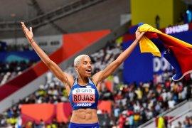 Kejuaraan dunia atletik, Rojas pertahankan gelar juara dunia lompat jangkit putri