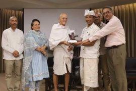 Putra Gianyar-Bali Adi Saputra meraih Global Youth Leadership Award 2019