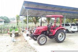 Mukomuko terima bantuan belasan alat mesin pertanian
