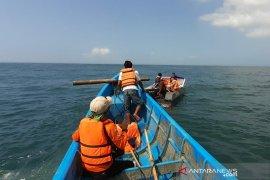 Tiim SAR   cari nelayan hilang di Pantai Cipatujah Tasikmalaya