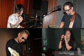 Kebangkitan lagu karya Band Cokelat