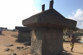 Aura magis kuburan batu di Ratenggaro