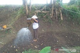 Warga kaki Gunung Gede-Pangrango Cianjur kesulitan air bersih