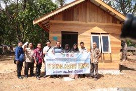 Dua kementerian bantu Desa Guntung Besar