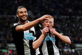 Newcastle bungkam Manchester United dan tinggalkan zona merah