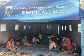 Ratusan Korban kebakaran Rawabunga, Jakarta Timur mulai perbaiki rumah