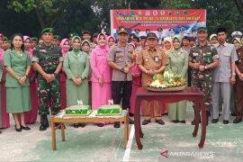 Bupati HST hadiri HUT ke-74 TNI