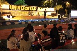 BEM Unej nyalakan 1.000 lilin untuk korban demonstrasi dan kerusuhan Wamena