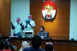KPK tahan Bupati Lampung Utara beserta lima tersangka