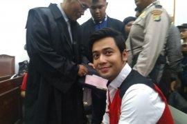 Aktor Kris Hatta didakwa melakukan penganiayaan