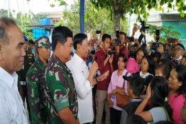 Wiranto lepas 107 pengungsi dari Wamena pulang ke Makassar