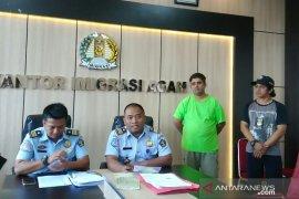 Imigrasi Agam deportasi warga Pakistan dan Malaysia