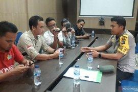 Polres Bangka Tengah makamkan jasad kerangka tanpa identitas