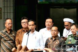 Wiranto ditusuk, Jokowi ajak seluruh masyarakat bersama-sama perangi terorisme