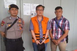KPK eksekusi Bernard Kalalo ke Lapas Klas I Tangerang