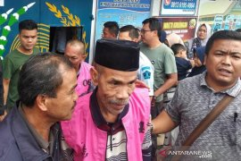 Tujuh tersangka dugaan korupsi SD dibawa ke Banda Aceh