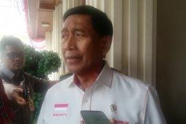 Flash-Menko Polhukam Wiranto ditusuk orang tidak dikenal