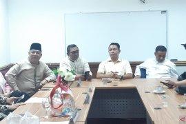 Tiga fraksi di DPRD Riau sebut paripurna penetapan AKD salahi aturan
