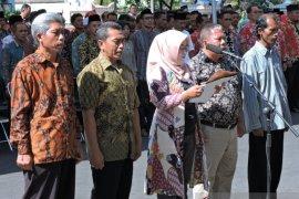 372 calon kades Situbondo deklarasi damai dan antipolitik uang