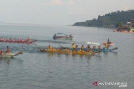 77 peserta meriahkan lomba solu Poldasu Toba Lake Fiesta di Parapat