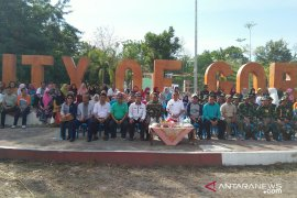"""Gorontalo Utara gelar """"grebek sampah"""" peringati HUT ke-74 TNI"""