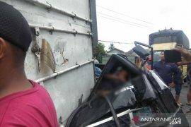 Kecelakaan beruntun libatkan truk besar di jalur Medan - Berastagi