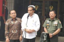Jokowi jelaskan kondisi Wiranto stabil