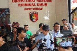 Ninoy mengancam laporkan pengurus Masjid Al Falaah ke polisi