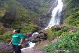 "Air terjun Silam-lima di Tapanuli Selatan menyimpan mitos ""air jodoh"""