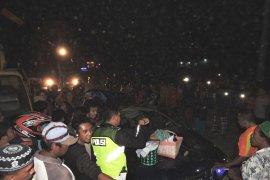 Korban kecelakaan mobil tertimpa pohon  di Situbondo menjadi empat orang