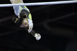Kejuaraan Dunia Senam - Nina Derwael, Max Whitlock sabet emas