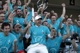 Bos Mercedes dedikasikan gelar keenam
