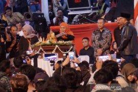 Ribuan orang hadiri pesta rakyat Hari Jadi ke-74 Jatim