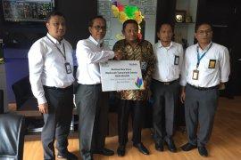 PLN UIW Aceh serahkan beasiswa pendidikan Rp62,5 juta