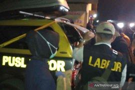 Polisi geledah ulang rumah terduga teroris di Cirebon karena menemukan cairan kimia