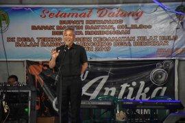 Bupati Ketapang Launching Desa Bersinar di Desa Tebing Berseri