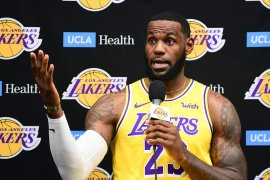 LeBron James angkat suara krisis NBA-China