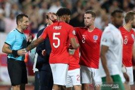 wasit sempat hentikan laga Bulgaria vs Inggris dua kali karena rasial