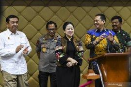 Ketua DPR nilai Gerindra bukan ingin bermanuver ke dalam koalisi pemerintah