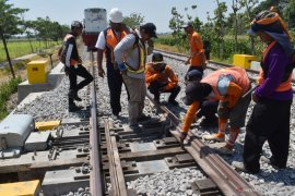 Uji beban jalur ganda kereta api