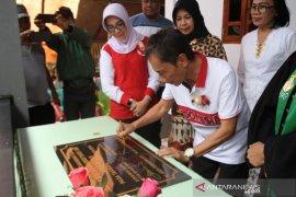 Pemkab Gorontalo bantu pembangunan gereja di Tibawa