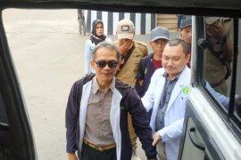 Atlet difabel Banjarnegara berangkat ke Kejurprov NPC  naik ambulans