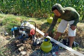 1.000 paket konversi bahan bakar pompa petani disalurkan