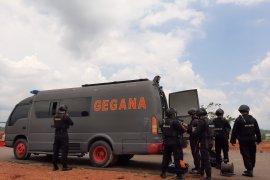 Gegana ledakkan delapan granat aktif di Tanjungpinang