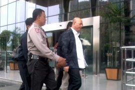 Wali Kota Medan dibawa KPK saat jalani fisioterapi