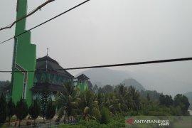 Sempat hilang diguyur hujan, kabut asap kembali selimuti Madina