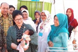 Menkes beri nama untuk bayi pengungsi gempa di Tulehu